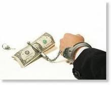 Opinii: In 2011, bancile pun mana pe iatagan