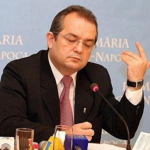 Opinii: O noapte la coada cu Basescu si Boc