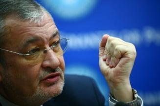 Opinii: Vladescu cel far' de greseala si lupta sa cu politicul