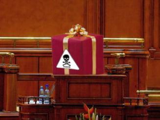 Opinii: Doua legi ca doua cadouri otravite
