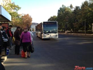 Papa in Romania: STB deviaza 18 trasee si suplimenteaza 9 linii