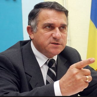 Ponta, ofiter acoperit: Funar sesizeaza Curtea Constitutionala