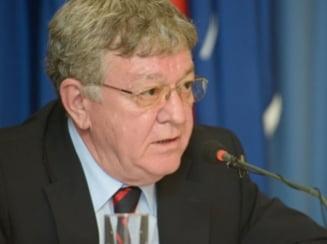 Ponta, ofiter acoperit: Se cere cercetarea lui Basescu dupa ce a uitat dosarul rosu la Realitatea