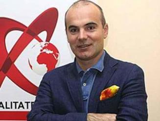 Ponta, ofiter acoperit - Rares Bogdan: Basescu si-a uitat dosarul rosu in studio. Se simtea usurat