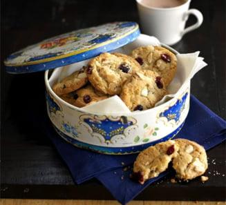 Prajituri pentru Craciun: Biscuiti cu nuci si stafide
