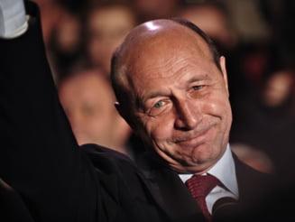 Presa de azi: Basescu - Geoana, 9-0 la Curte