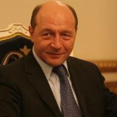 Presa de azi: Basescu, prima reactie in saga imobiliara a familiei sale