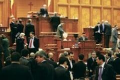 Presa de azi: Cabinetul Boc: baroni, dame, valeti si un inocent