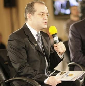 Presa de azi: Deconcentratele, puse la bataie pentru Basescu