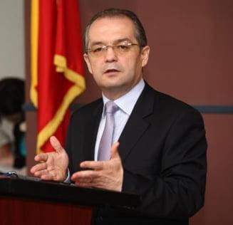 Presa de azi: Guvernul a intrat oficial in campanie pentru Basescu