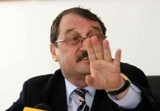 Presa de azi: Nepotii lui Basescu fac si ei afaceri cu Academia de Stiinte Agricole