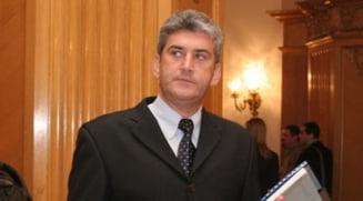 Presa de azi: Oprea: L-am ajutat pe Ponta sa ajunga seful PSD