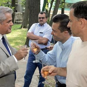 Presa de azi: Taberele din PSD se pregatesc de razboi