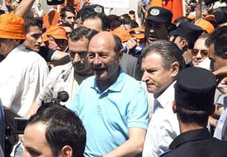 Presa de azi: Traian Basescu, campion la rugaciuni electorale