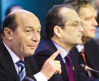Presa de azi: Traian Basescu anunta decesul Guvernului Boc