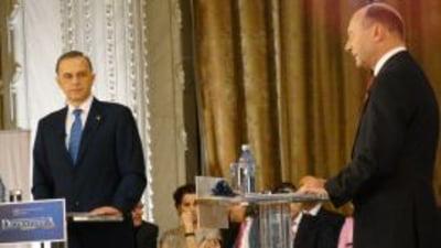 Presa de azi Romania, in fata unei decizii esentiale: Basescu sau Geoana?