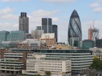 Presa internationala: Reguli dure pentru bonusurile bancilor in UE