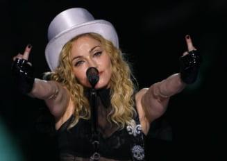 Presa internationala - Madonna, huiduita la Bucuresti pentru ca a vorbit despre rromi