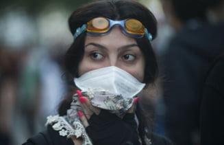 Proteste in Turcia: Femeile au devenit simbolul manifestatiilor (Galerie foto)