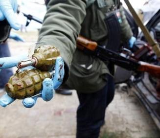 Razboi in Libia: Moammar Gaddafi cheama populatia la arme (Video)