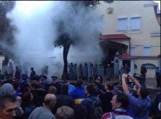 """Razboi in Ucraina: Peste 5.000 de oameni manifesteaza impotriva """"invaziei ruse"""""""