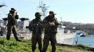 Razboi la granita Romaniei: Trupele ruse au deschis focul intr-o baza din Crimeea