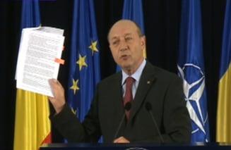Razboi pe certificatele verzi - Basescu iese la atac: Ponta este ori mincinos, ori incompetent