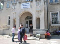 Referendum 2012: 70.000 de turisti au luat cu asalt judetul Olt, prezente de 200% (Video)