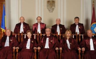 Referendum 2012: CCR decide pe 12 septembrie - Antonescu ramane interimar