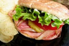Reteta zilei: Super-sandvis cu de toate