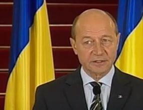Revista presei: Basescu trimite in Libia o fregata buna doar de blocada, nu si de lupta