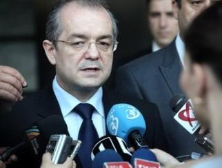 Revista presei: Boc recunoaste ca proiectul celor opt judete e al lui Basescu