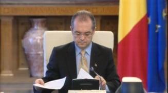 Revista presei: Guvernul Boc, acuzat ca e marioneta lui Viktor Orban