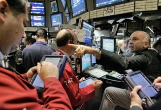 Revista presei: Isteria burselor este imposibil de calmat