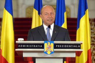 Revista presei: USL vrea anticipate, Basescu merge mai departe cu reorganizarea si Constitutia