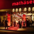 Roman in diaspora: O seara la cinematograf in Munchen
