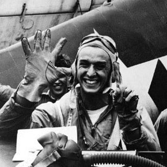 Romani de legenda: Alex Vraciu, erou de razboi al Marinei SUA (I)