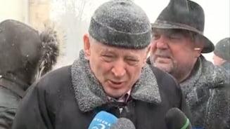 """Romania, sub zapada Oprescu: Nu scot toata zapada din Bucuresti, ca n-am innebunit. Mesaj pentru soferii """"nascuti jigniti"""""""