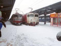 Romania sub zapada: Gheata pe sosele, trenurile si avioanele au intarzieri
