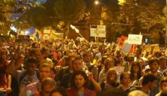 Rosia Montana: A 13-a noapte de proteste, la Bucuresti - Mars prin Centrul Vechi