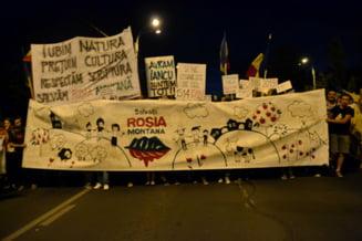 Rosia Montana Protestatarii de la Universitate, chemati la dezbateri in Parlament