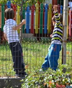 Scoala Altfel: De la pompieri la muzeu si din tren la Politie