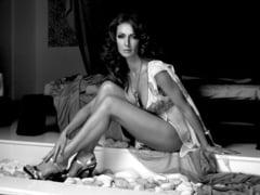 Sexy pana in maduva oaselor: Mihaela Radulescu (Galerie foto)