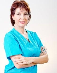 Sfatul dentistului pentru un zambet sanatos: Cum folosim corect ata dentara