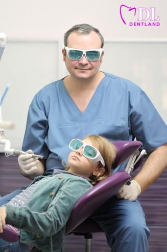 Sfatul dentistului pentru un zambet sanatos: De cand trebuie sa duci copilul la stomatolog