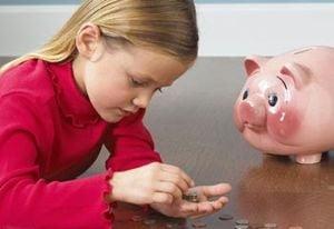 Sfatul psihologului: Copilul si banii de buzunar