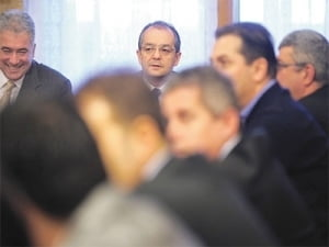 Sondaj Ziare.com: Ce ministru crezi ca ar trebui remaniat?