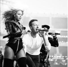 Super Bowl 2016: Coldplay, Beyonce si Bruno Mars s-au dezlantuit (Video)