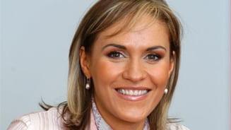 Traseismul, legalizat Gabriela Firea: Intaiul traseist al tarii denunta traseismul