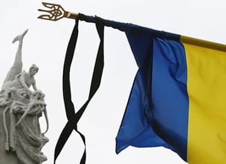 """Ucraina, in prag de razboi: Porosenko anunta o """"riposta adecvata"""". Doliu national duminica"""